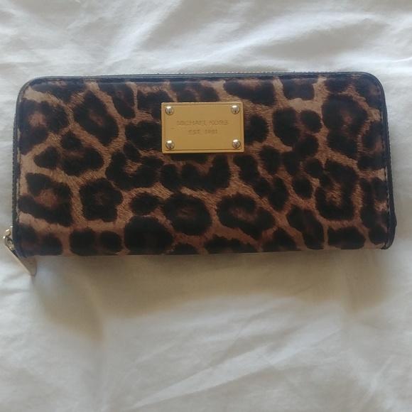 Michael Kors Cheetah Leopard Print Wallet
